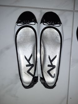 10 pair of shoes size 10 barely used Thumbnail