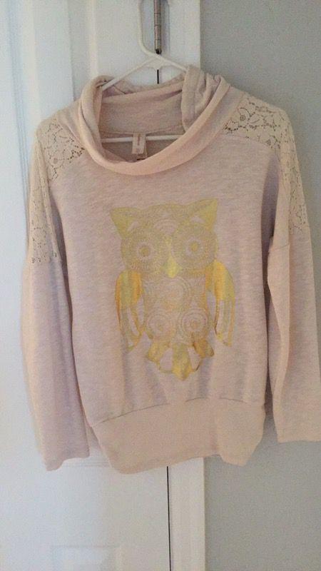 Owl Shirt. Size Medium. Gently Used.