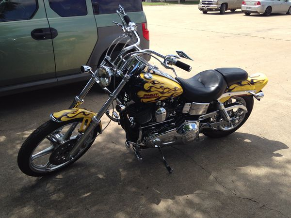 Drag handlebars from a 2005 dyna wideglide great condition just upgraded to  taller bars for Sale in Wichita Falls, TX - OfferUp