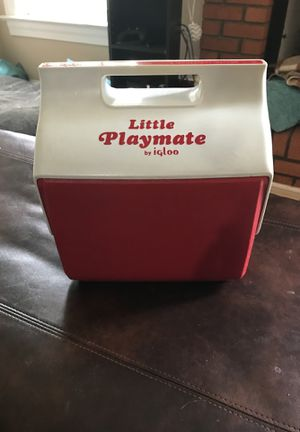 Vintage Little Playmate Igloo cooler for Sale in Gainesville, VA