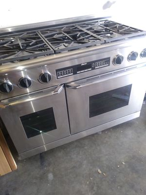 Dacor 48inch gas stove for Sale in Tampa, FL