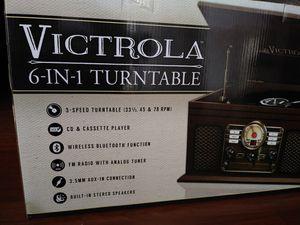 Victrola turntable vintage look for Sale in Miami, FL