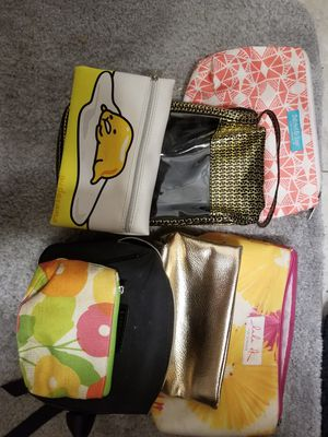 7 makeup bags for Sale in Tampa, FL