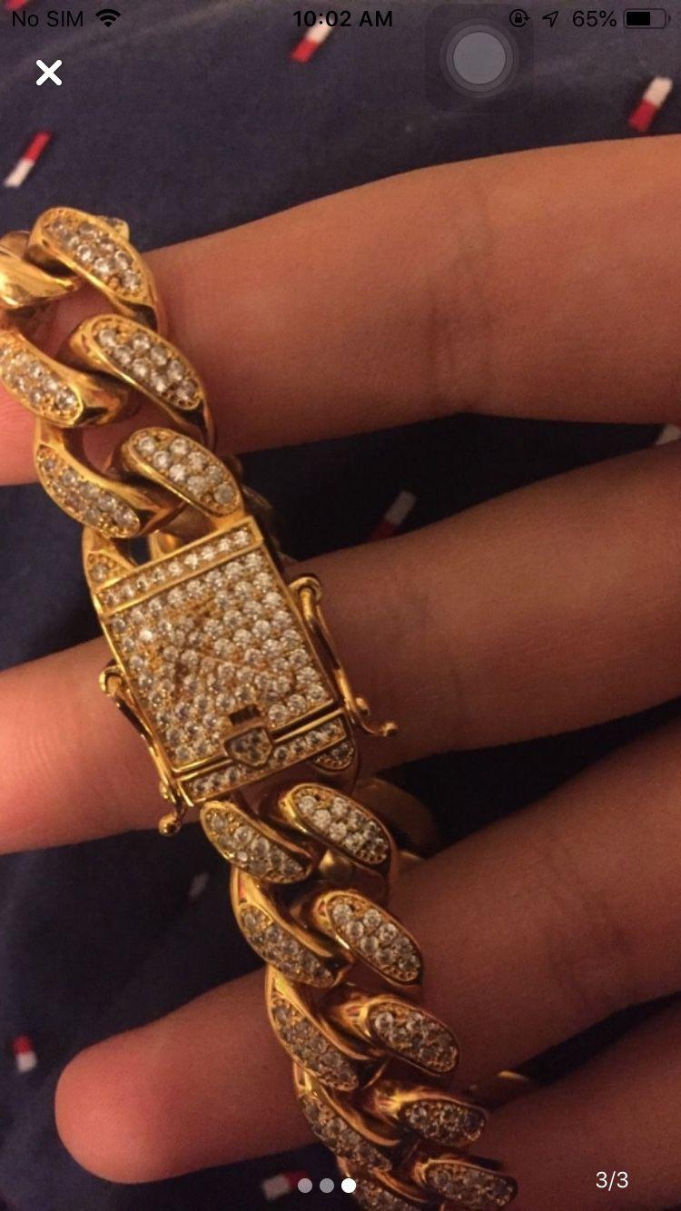Gold Cuban link bracelet