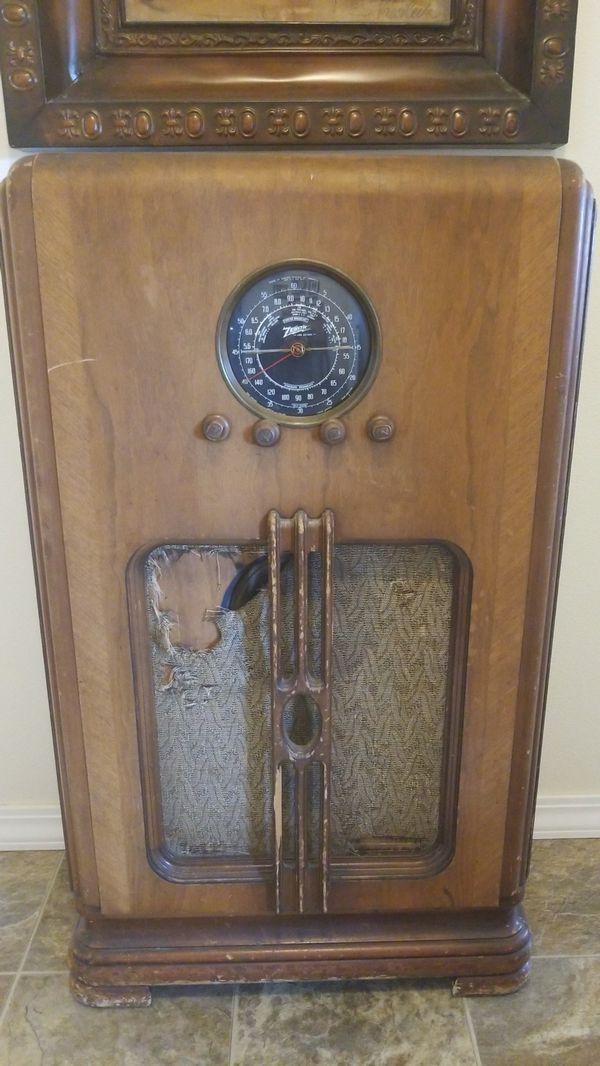 Zenith Console Radio for Sale in Cornelius, OR - OfferUp