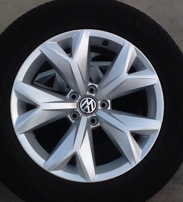 "Original 18""takeoff VW ATLAS 2019 Wheels/continental"