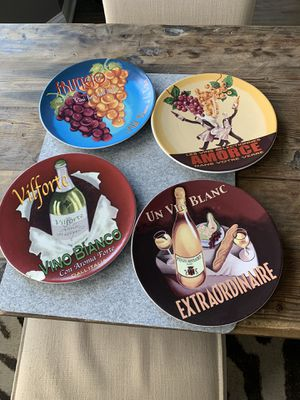 Photo POTTERY BARN SET OF FOUR DESSERT/appetizer plates one chipped - plus 4 others free with this set