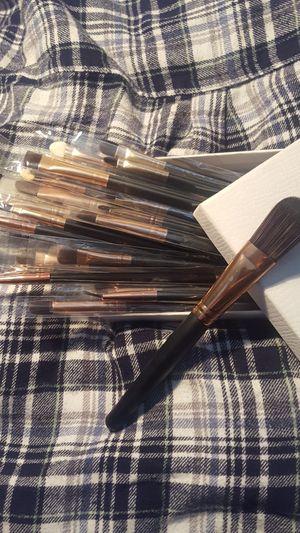 20 pc brush set for Sale in Belle Isle, FL