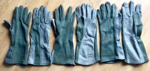Military aviator gloves, size M, price is per pair for Sale in Orlando, FL
