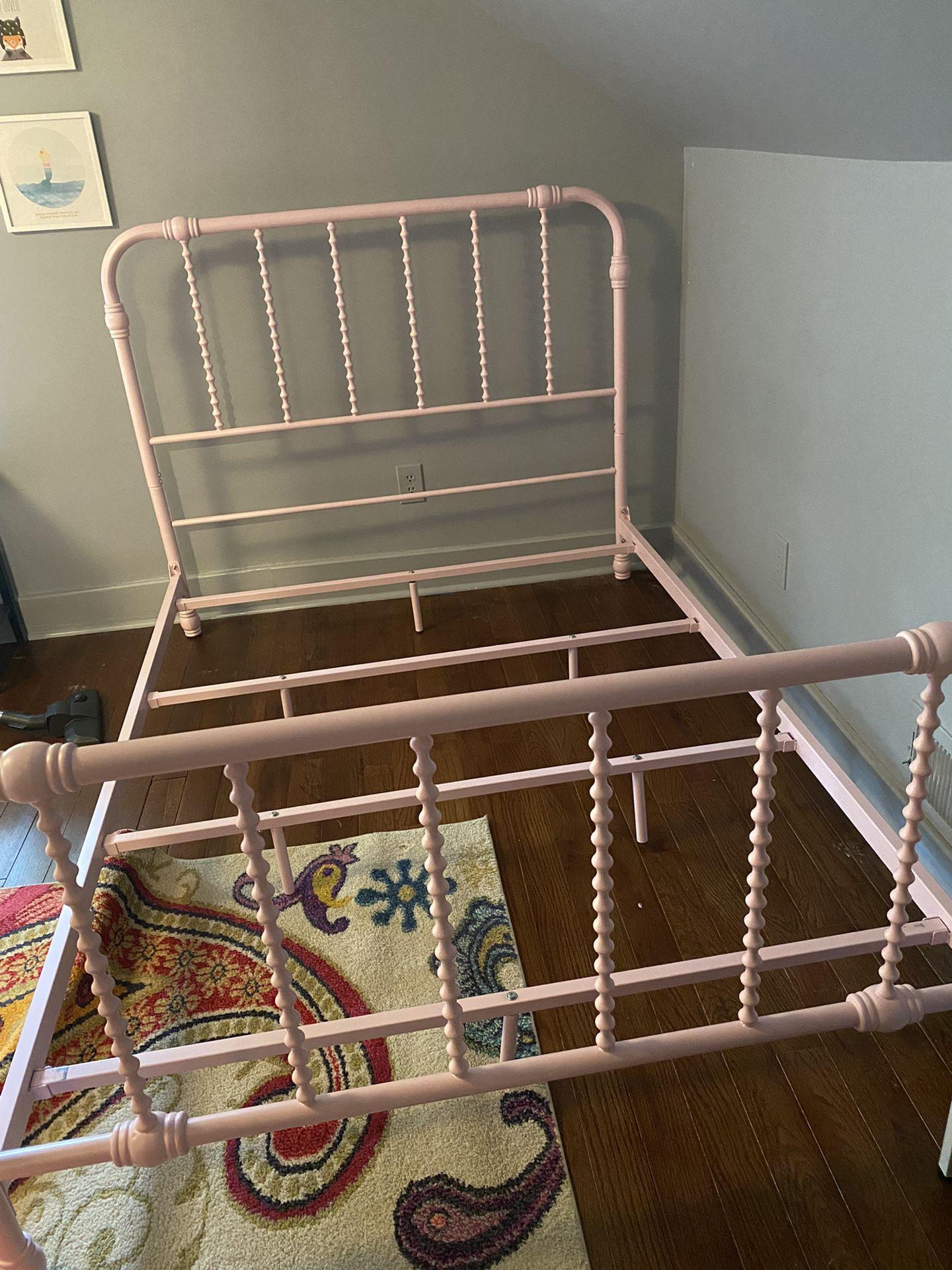Lite pink Metal Bed Frame (size: Full)