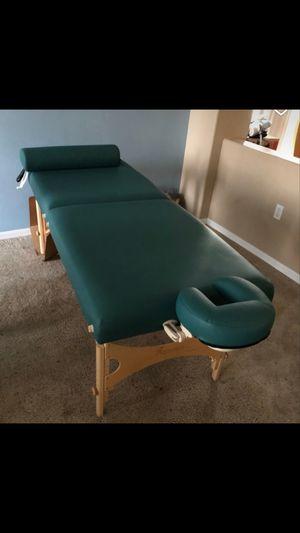 Oakworks massage table for Sale in Ocoee, FL