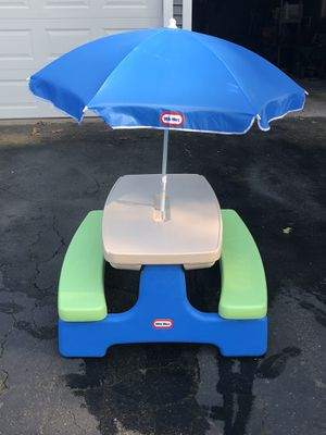 Little Tikes Picnic Table And Umbrella Excellent Condition For - Picnic table raft