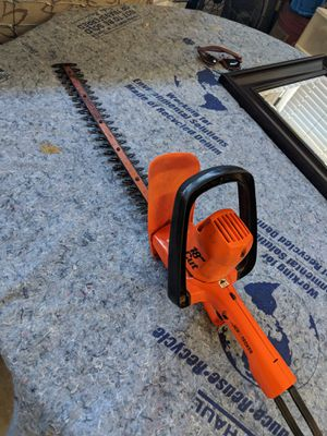 Black & Decker 18 inch Electric hedge trimmer for Sale in Cary, NC