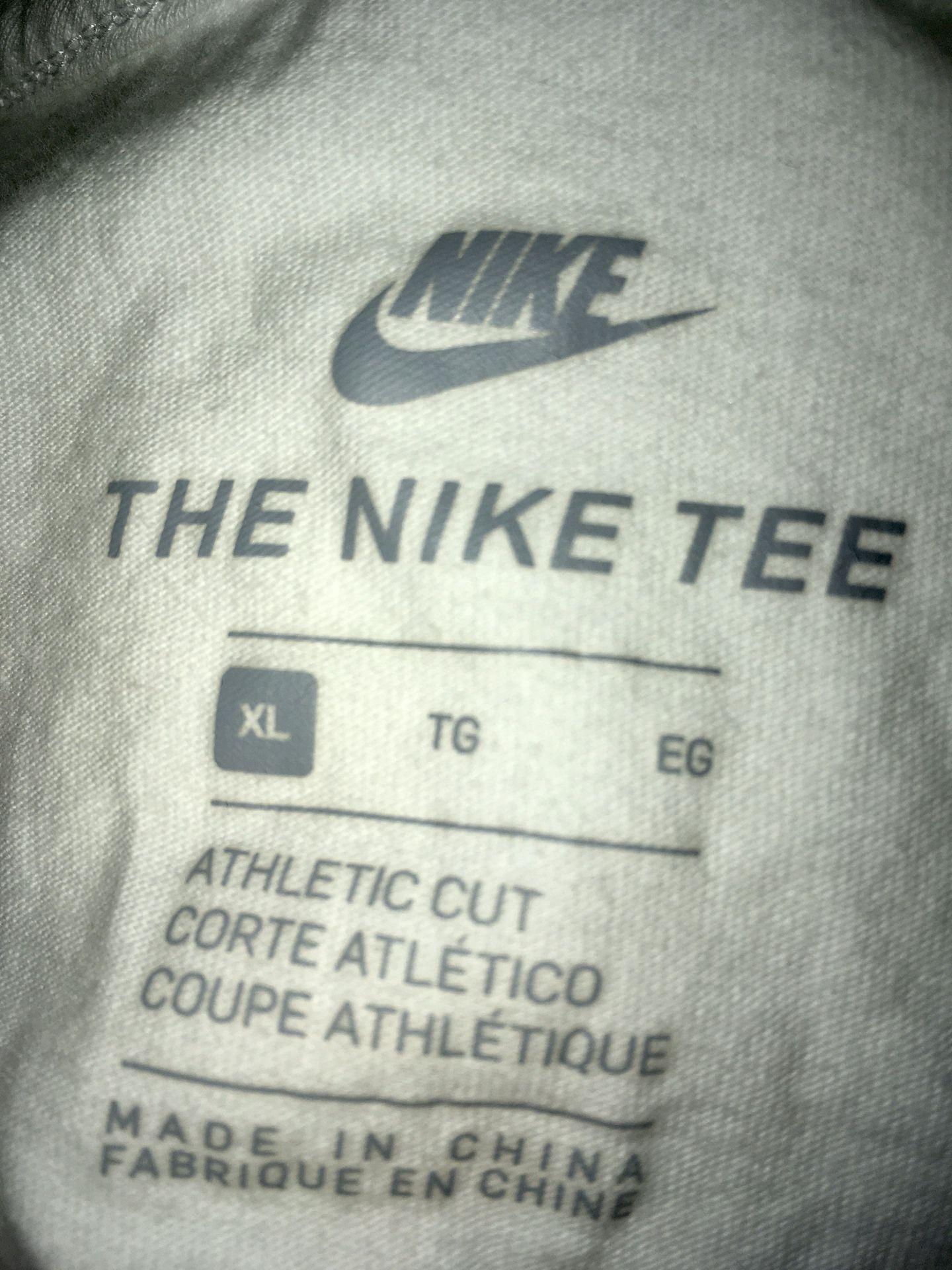 Nike adult xl shirt