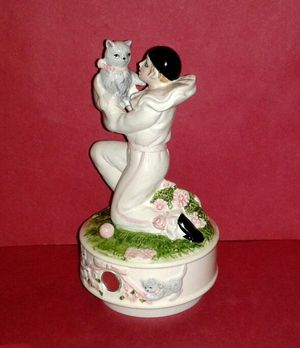 PIERROT LOVE Rotating Porcelain Music Box for Sale in Silver Spring, MD