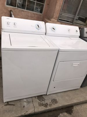Nice and clean set of kenmore washer and gas dryer. for Sale in Bakersfield, CA