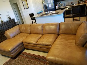 Great 100% leather couch, your house needs it Thumbnail