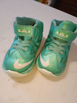 Photo Nike sneaker toddler size 7