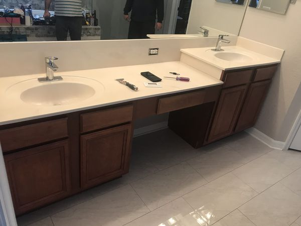 Bathroom vanity for Sale in Tampa, FL - OfferUp