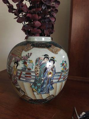 Oriental vase for Sale in Maitland, FL