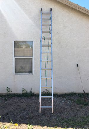Photo 24 foot extension ladder