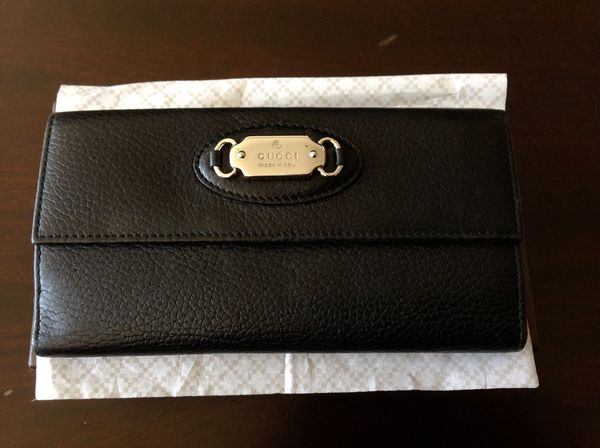 dcacbc14468e GUCCI Authentic Genuine Leather Wallet for Sale in Foster City, CA ...