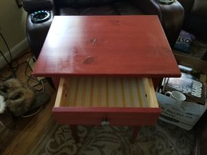 End table with drawer for Sale in Berwyn Heights, MD