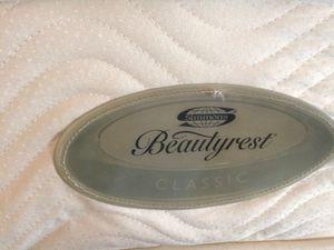 Photo Beautyrest king mattress set