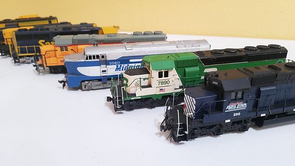 9x HO scale train motor set for one price  Rail Link 250, Burlington  Northern 7890,etc  for Sale in Modesto, CA - OfferUp