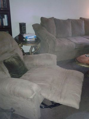 3 piece living room set-Memphis, TN for Sale in Nashville, TN