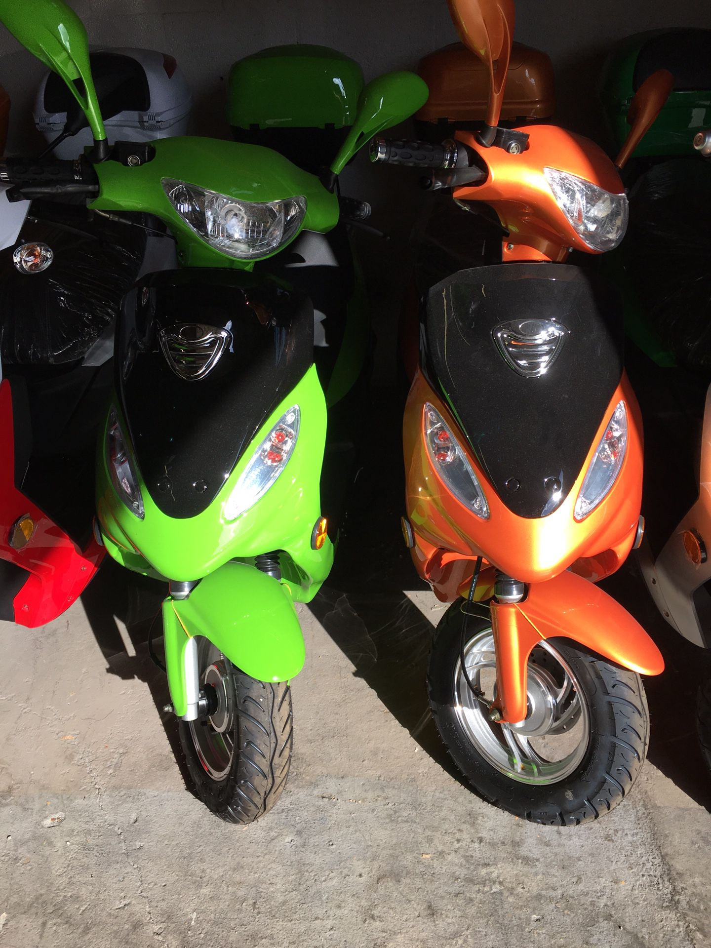 Photo Scooters from 50cc 150cc and 250cc from $850.00 up to 2500.00
