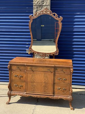 Photo AMAZING antique 3 drawer dresser w/mirror