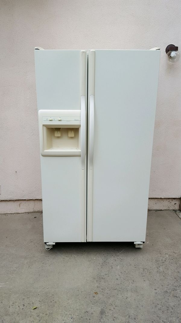 Whirlpool refrigerator for Sale in Sacramento, CA - OfferUp