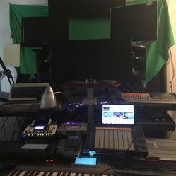 Professional Recording, Mixing, Mastering & Production. Got A Song In Your Heart? Get In The Booth Now! Thumbnail