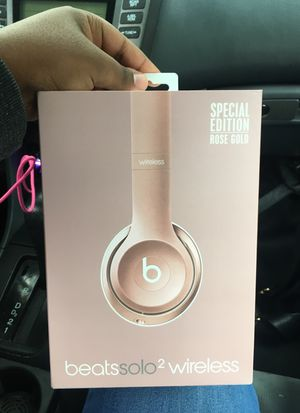 Beats solo2 wireless plus + PS4 call of duty infinite war for Sale in Washington, DC