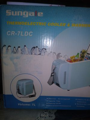 Cooler and warmer portable for Sale in Los Angeles, CA