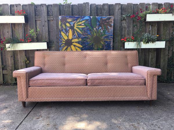 Mid century modern/vintage Kroehler sofa. for Sale in Berea, OH ...