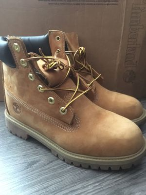 """Timberland 6"""" boots (size 6 youth) for Sale in Miami, FL"""