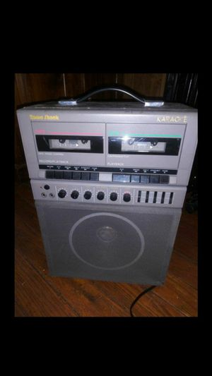 Photo REDUCED MUST GO NOW VINTAGE RADIO SHACK WORKING KARAOKE MACHINE WITH MICROPHONE