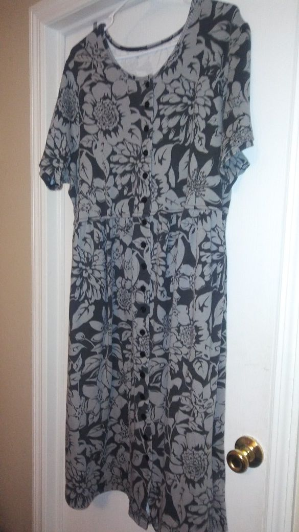 b3859b20337 Roamans dress size 3x for Sale in Valrico