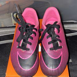 Girls Soccer Shoes  Thumbnail