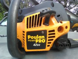 Poulan pro pp4218avx 42cc chainsaw for Sale in Orlando, FL