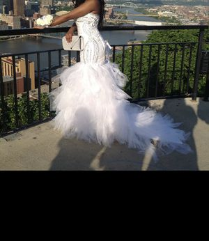 Prom/Wedding dress for sale for Sale in Mount Oliver, PA