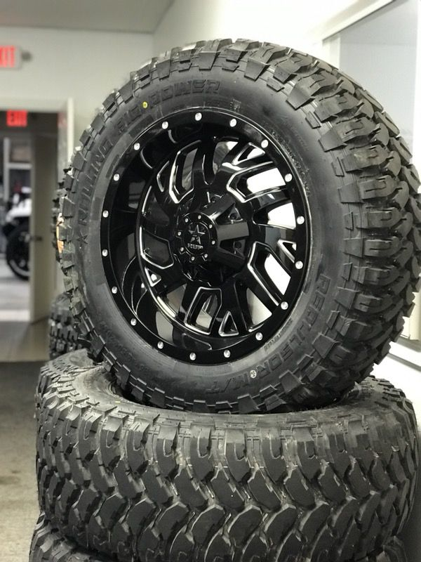 """35 12.5 20"""" 8 Lug H2 Hummer Chevy GMC Dodge Wheels and Tires (Cars"""