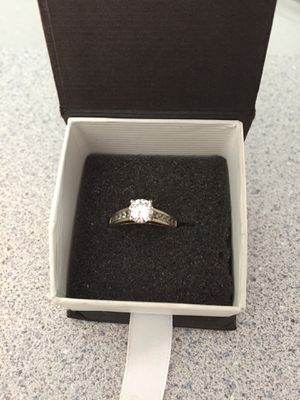 925 CZ size 7 1/2 engagement ring for Sale in Davenport, FL