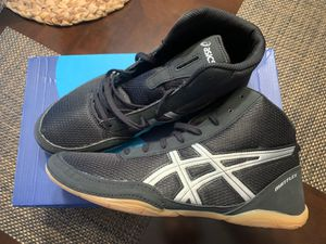 Photo ASICS mens wrestling shoes 🤼♂️ size 11 Brand New