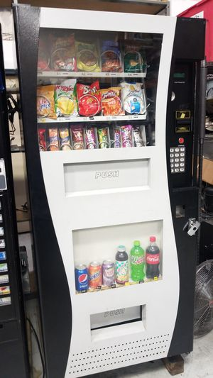 Fully refurbished combo vending machine for Sale in Montgomery Village, MD