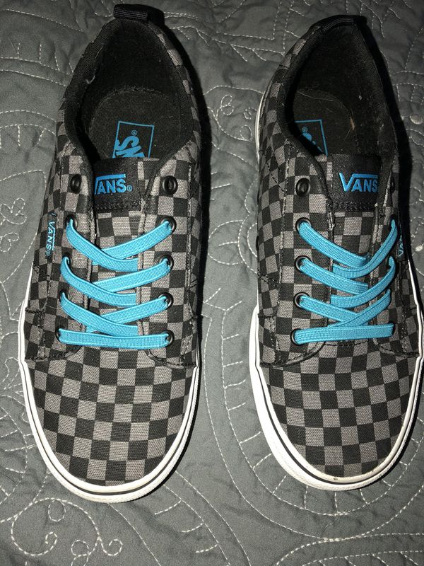a1eac6f6b0 Kids Vans size 2 for Sale in Manteca