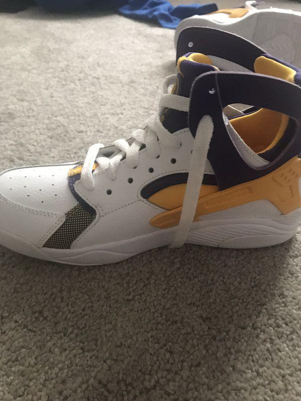 best website cff25 8bf18 Nike Kids Air Huarache (GS) Basketball Shoes Size 6