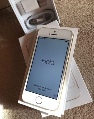 Apple iPhone SE 128GB GSM Unlocked AT&T / T-Mobile 4G LTE Smartphone - Gold for Sale in Hyattsville, MD